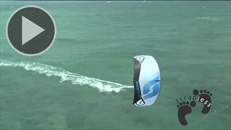 Felix Pivec kitesurfing on Switch Method in Hawaii copie