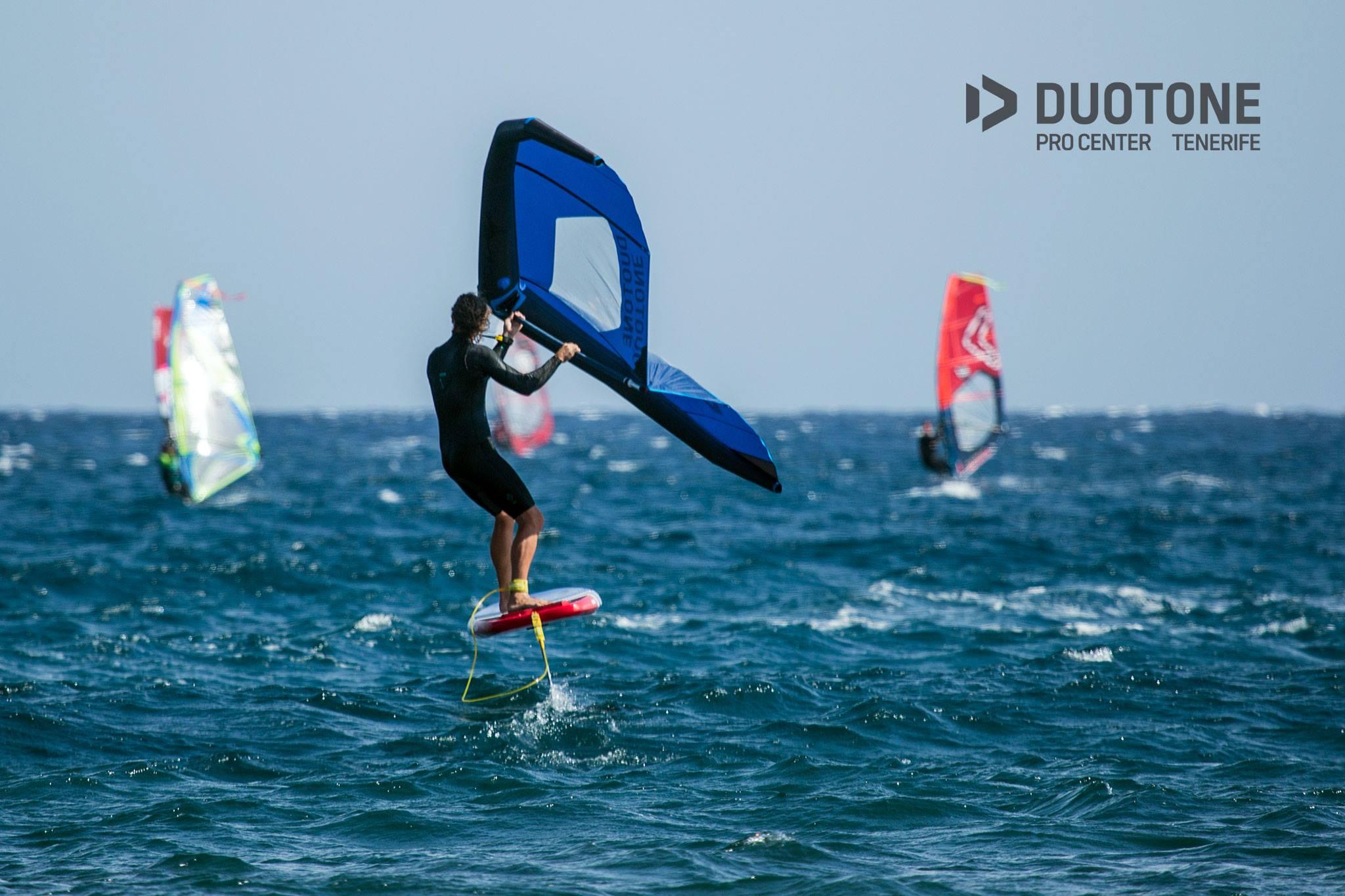 Wing foil - Duotone // strapless kitesurfing - Strapless Kitesurfing